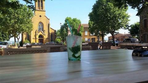 Vente Bar, Local d'activité / Entrepôt licence IV 30 places avec terrasse à Val d'Oingt (69620)