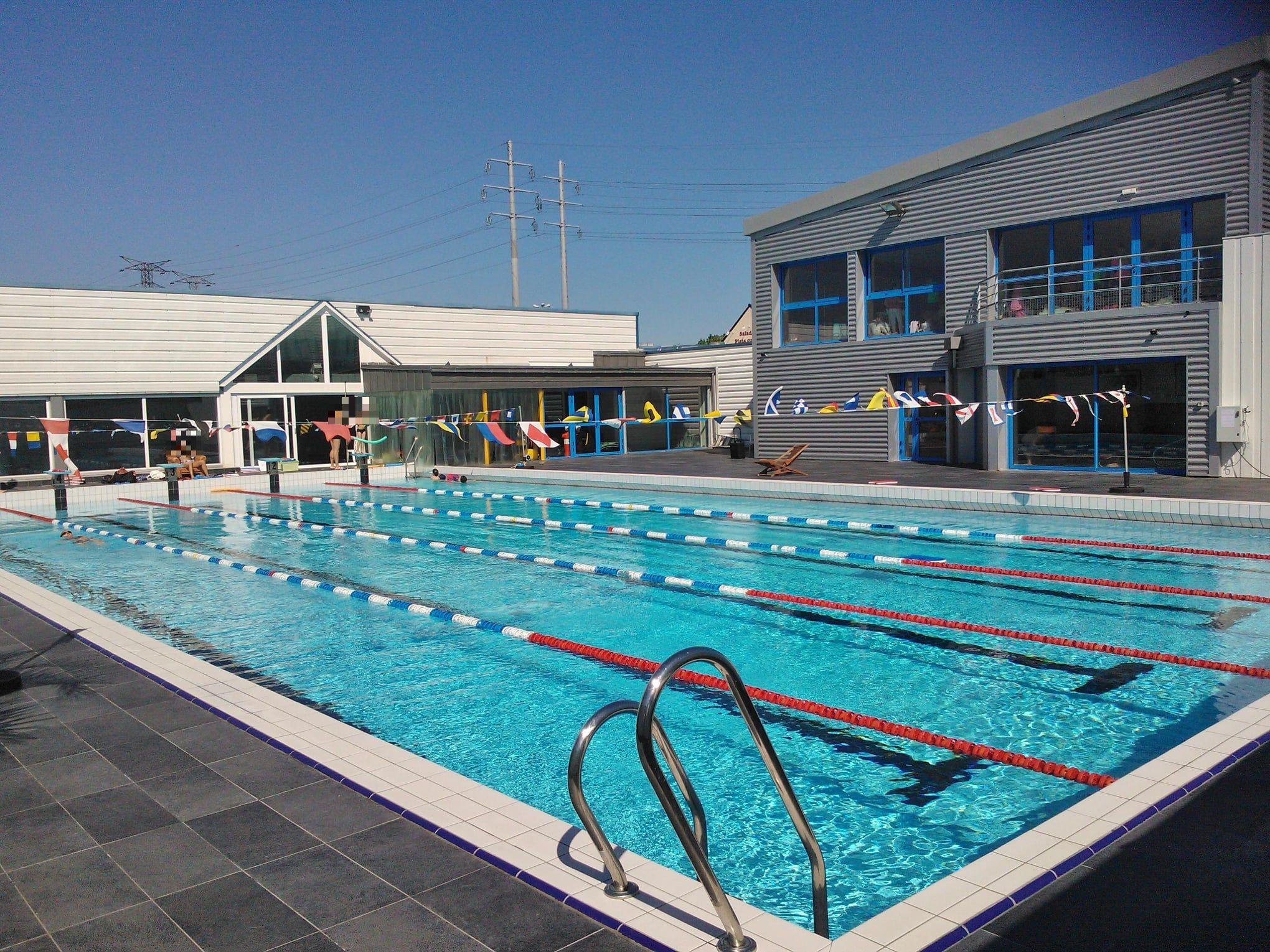 Vente Aquagym, natation, fitness, SPA près de Quimper dans une zone commerciale et résidentielle (29000)