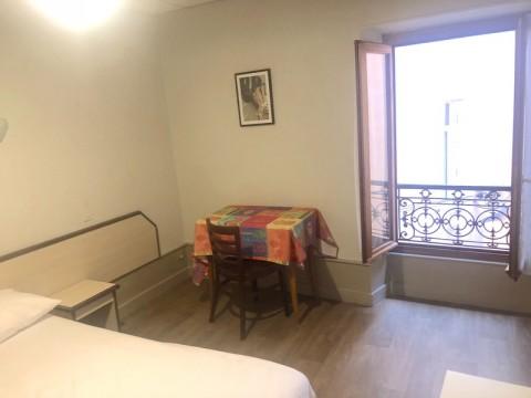 Vente Hôtel restaurant 1* d'environ 20 chambres avec parking à Aix-les-Bains (73100)