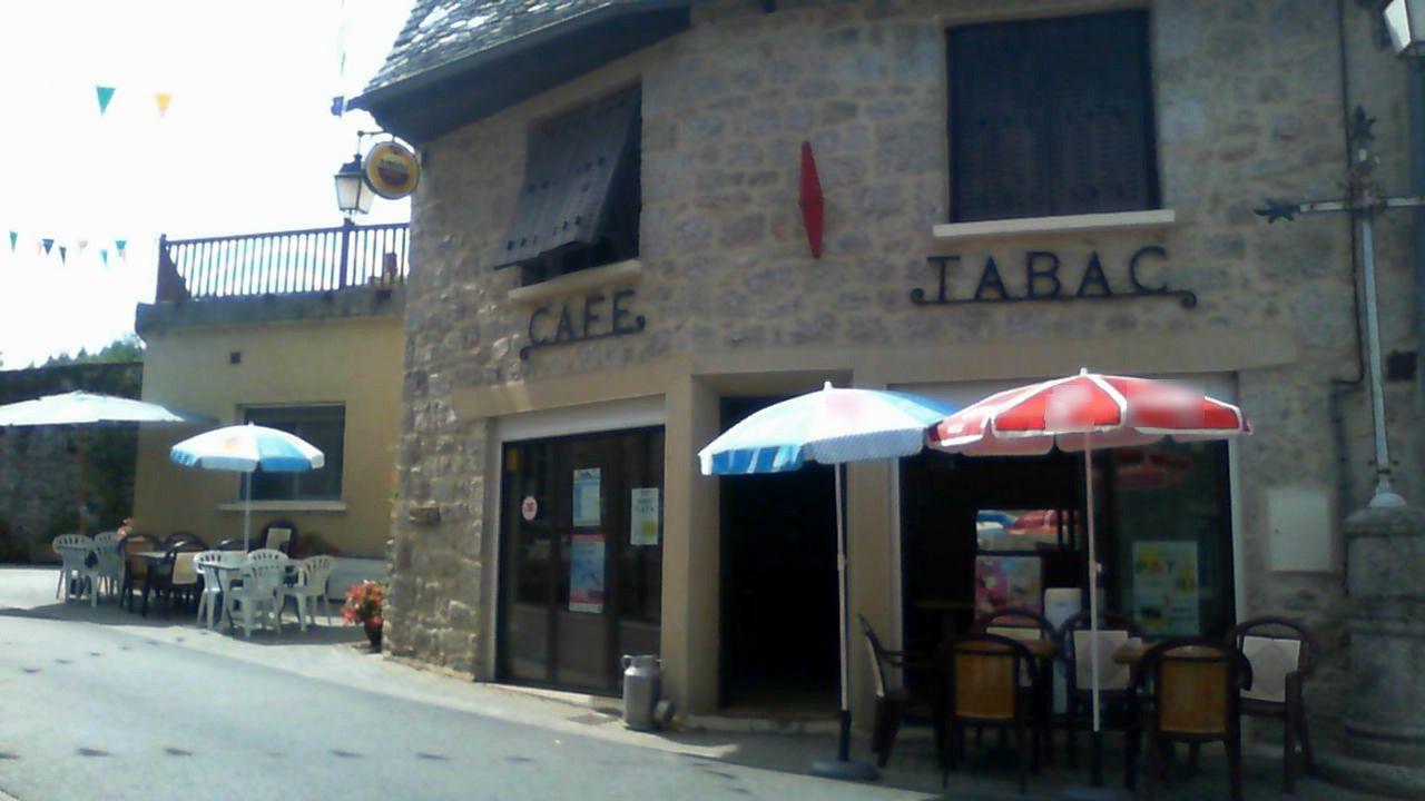 Vente Café, Tabac, Presse, Loto, Pizzeria, Restaurant licence IV 65 couverts avec terrasse à Sénergues (12320)