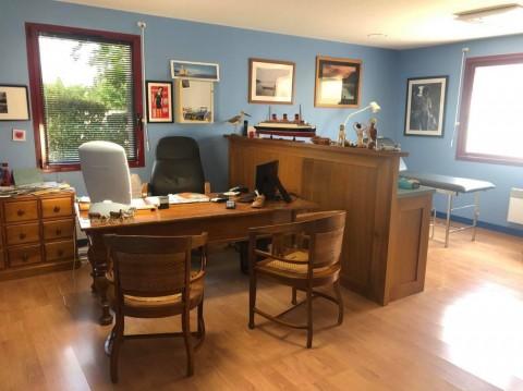 Vente Bureaux / Locaux professionnels, 43 m2 à Frontenay-Rohan-Rohan (79270)