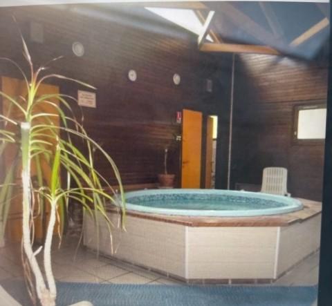 Vente Local commercial idéal pour Club de fitness, Club de sport, 500 m2 à Gouvieux (60270)