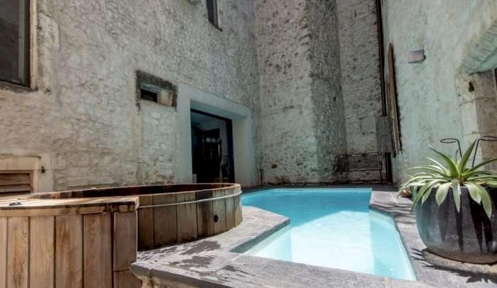 Vente Chambres d'hôtes, Gîte à Bourg-Saint-Andéol proche des Gorges de l'ardèche (07700)