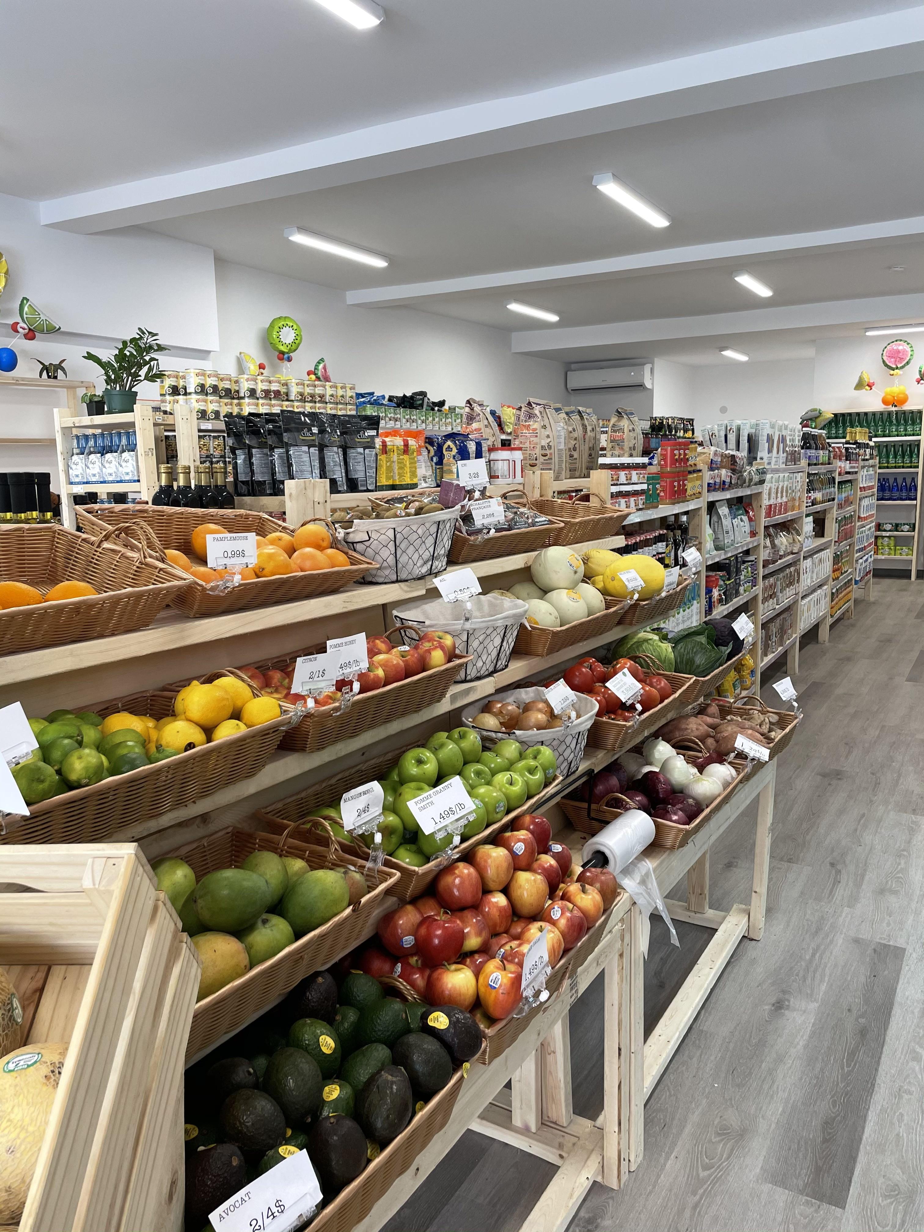 Vente Épicerie fine avec des produits biologiques, Montréal au Canada