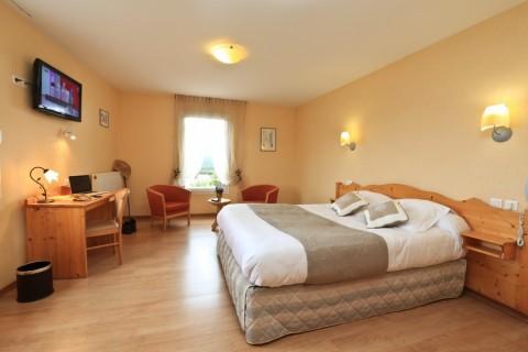 Vente Hôtel restaurant 3* d'environ 4 chambres avec piscine et spa à Aubenas (07200)