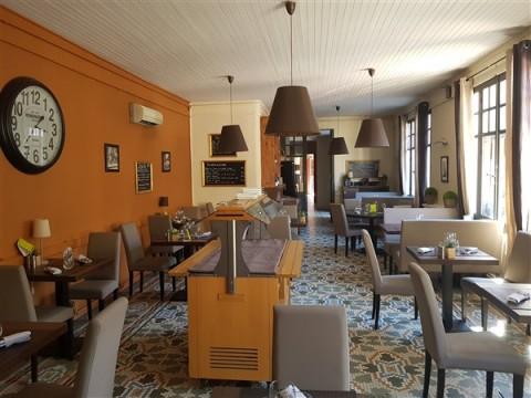 Vente Hôtel restaurant d'environ 20 chambres avec salle de séminaire et terrasse à Vallon-Pont-d'Arc (07150)