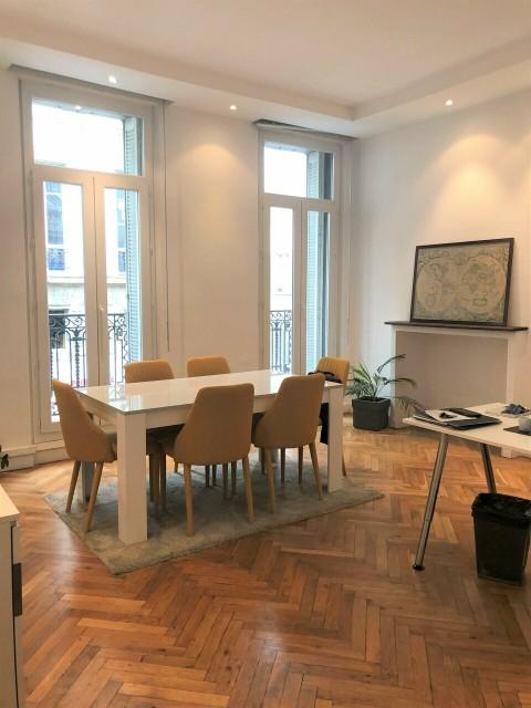 Vente Bureaux / Locaux professionnels, 123 m2 à Marseille 6ème (13006)