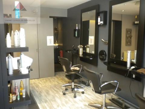 Vente Salon de coiffure mixte près de Lillebonne Dans une petite ville du Pays de Caux (76170)