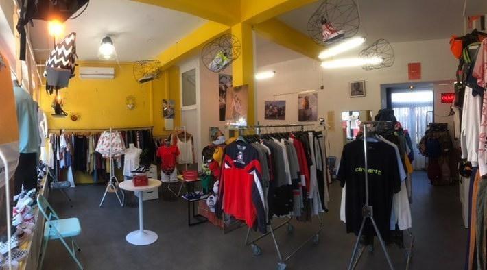 Vente Vêtements de marques et sans marques, snickers diverses marques à La Réunion