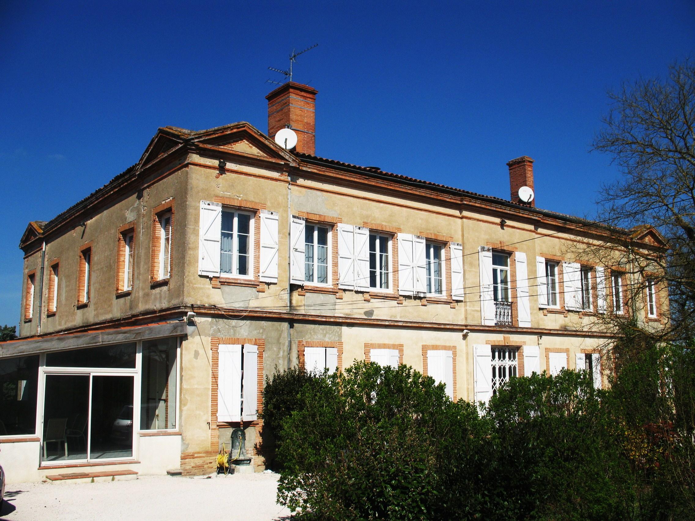 Vente Hôtel bureau - 17 studios aménagés près de Toulouse (31500)