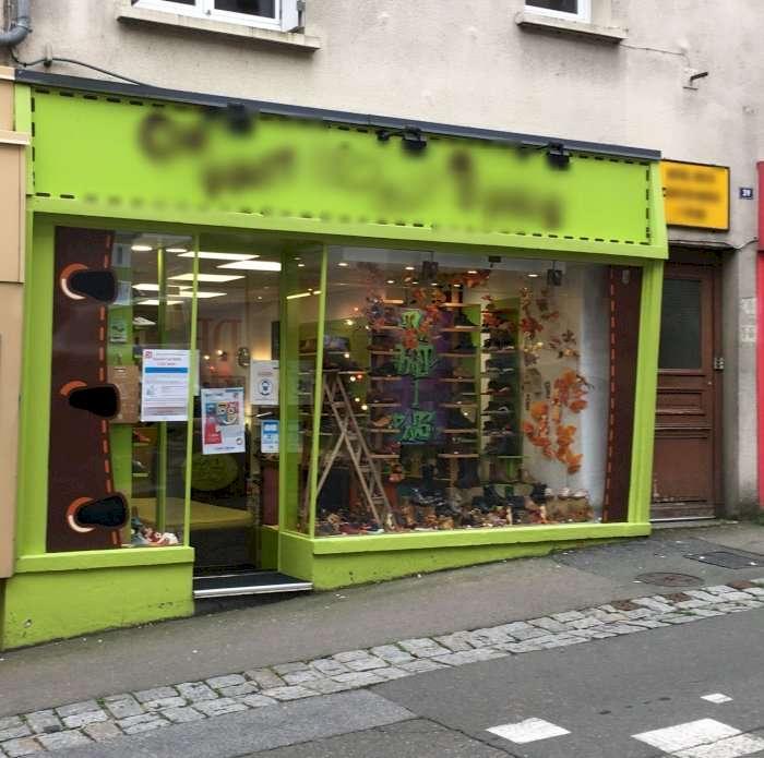 Vente Vente de chaussures enfants dans une ville du Nord Mayenne