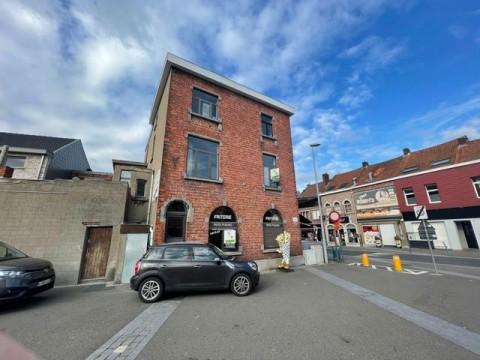 Vente Surface commerciale dans la rue commerçante principale de Menin en Belgique