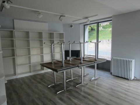 Vente Local commercial , 240 m2 en Dordogne (24)