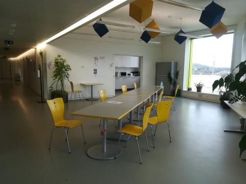 Vente Dans un bâtiment Minergie, vos bureaux de 800 m2 avec vue sur lac et montagnes en  en Suisse