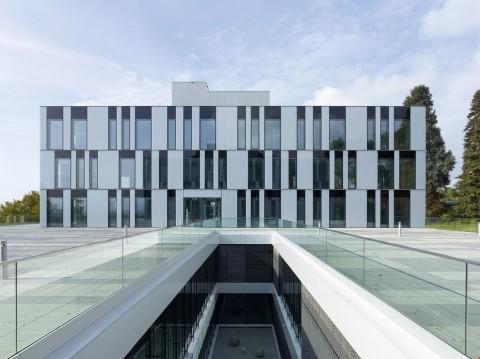Vente Bureaux / Locaux professionnels Dans un magnifique parc, vos bureaux dès 125 m2 à louer à Morges, 125 m2 à Morges en Suisse