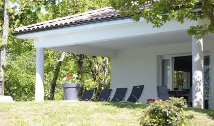 Vente Location saisonnière de villas haut de gamme près de Cahors dans une zone touristique (46000)