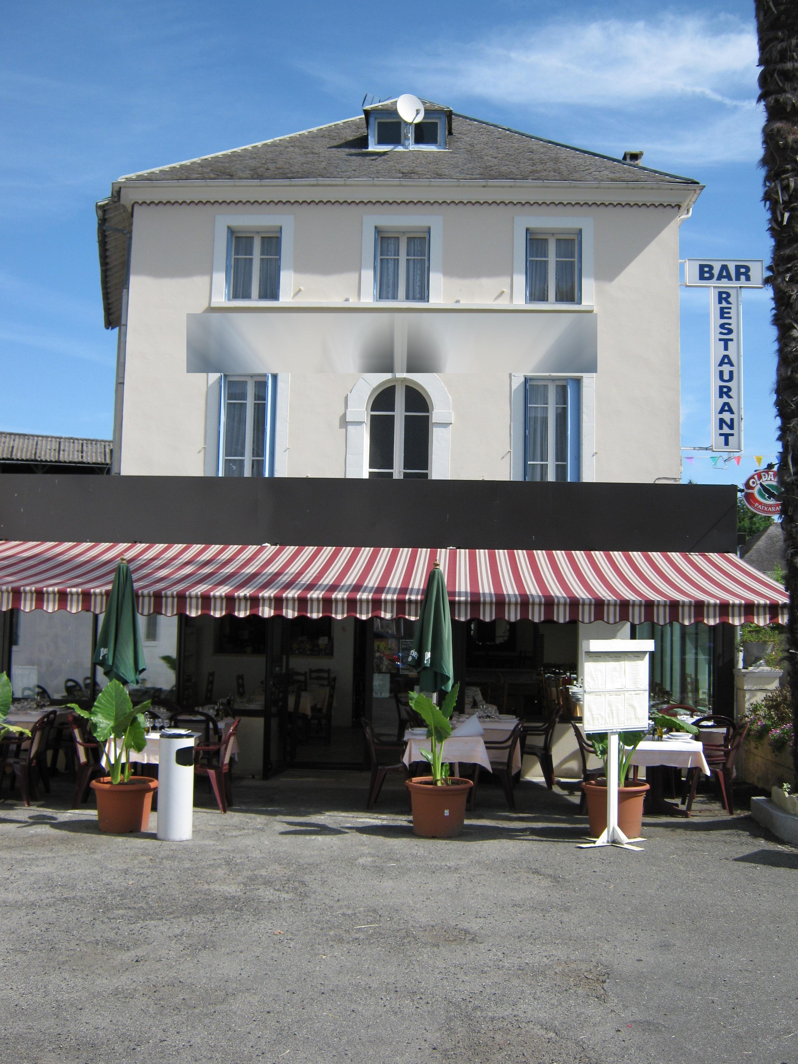 Vente Murs et fonds bar / restaurant avec licence 4 près de Lourdes (65100)