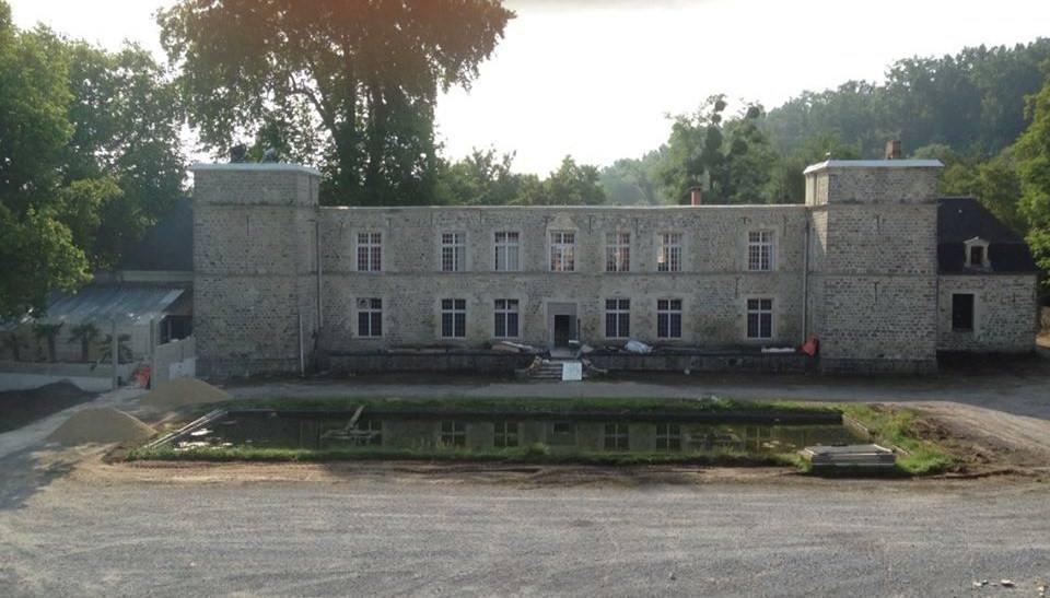 Vente Discothèque, Salle de spectacle, Organisation de réception, Restaurant licence IV 100 couverts avec terrasse dans l'Aisne (02)