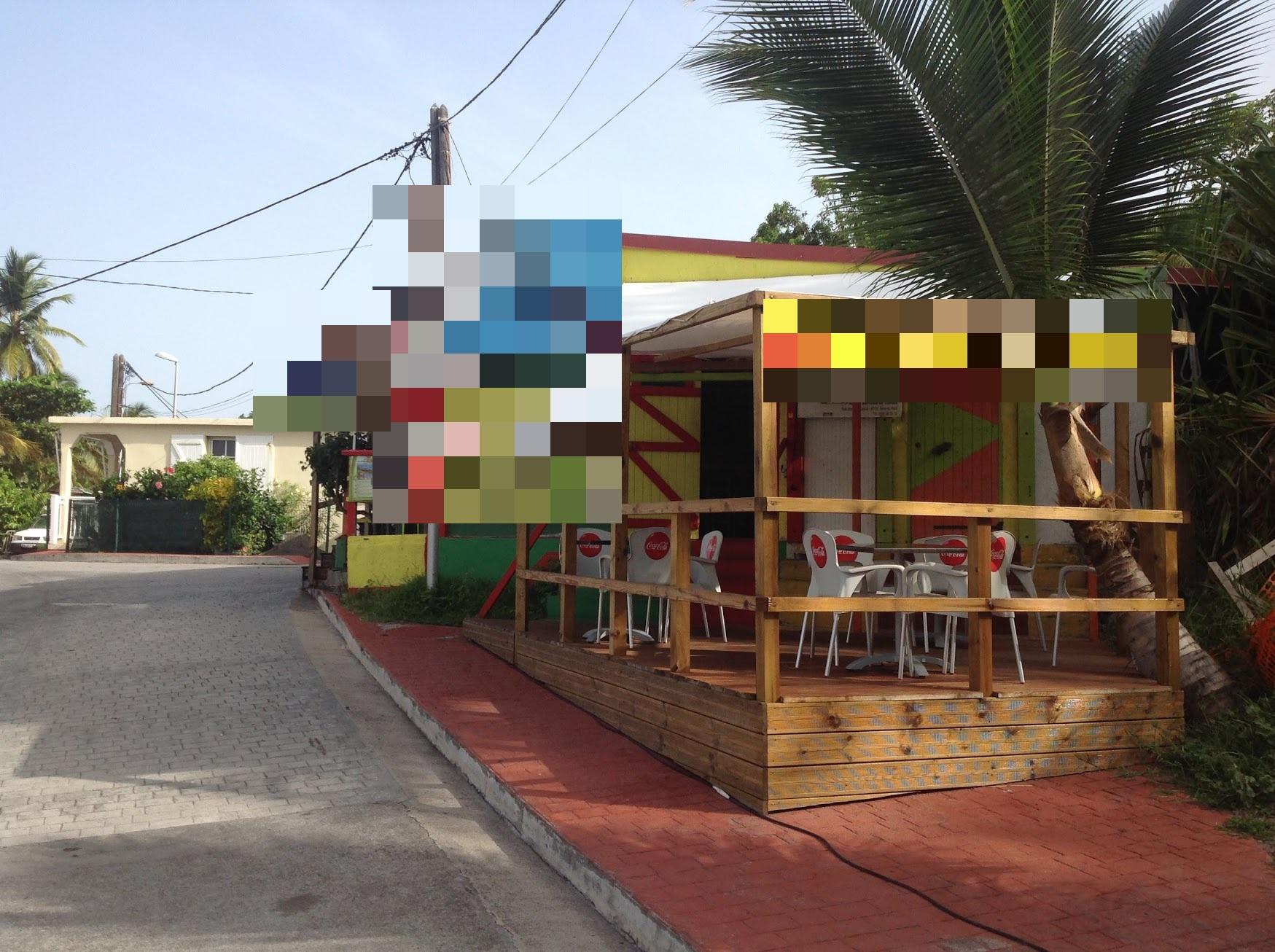 Vente Restauration et bar situé dans un bel environnement licence IV 10 couverts avec terrasse en Guadeloupe