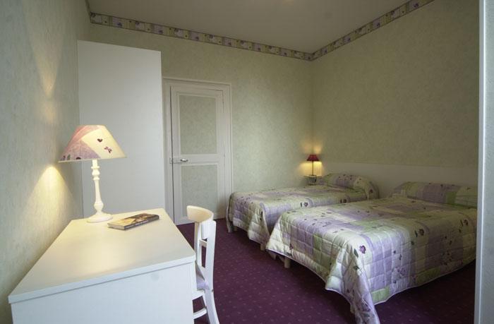 Vente Bar, hôtel restaurant et traiteur pension de 12 chambres avec parking et terrasse près de Nevers (58000)