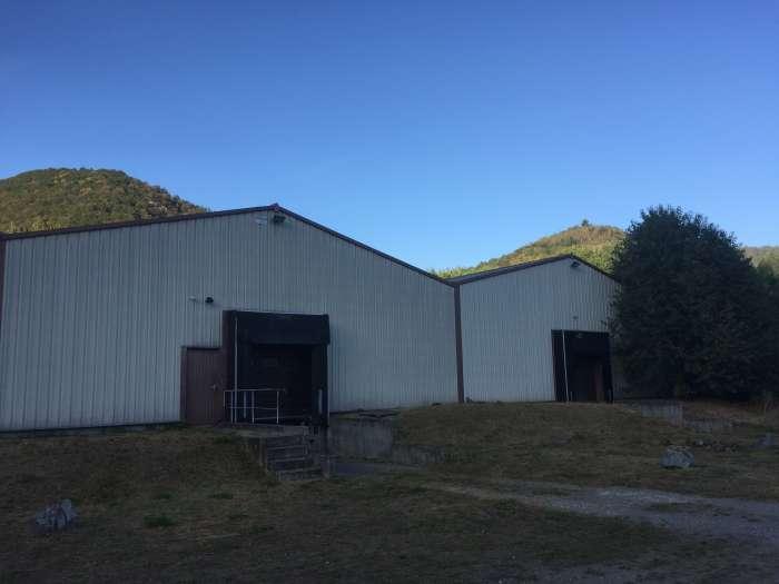 Vente Deux bâtiments de stockage près de Mulhouse dans une zone d'activité (68100)