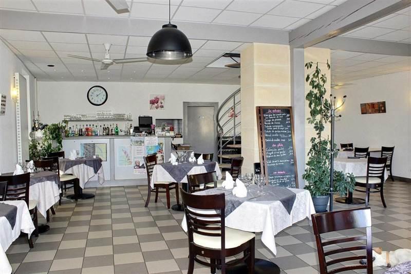 Vente Restaurant bar à Lesparre-Médoc à 15 minutes des plages (33340)